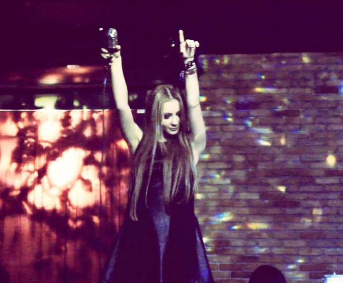 Bella Schneider mantém carreira no Brasil e na Europa (Foto: Arquivo pessoal)