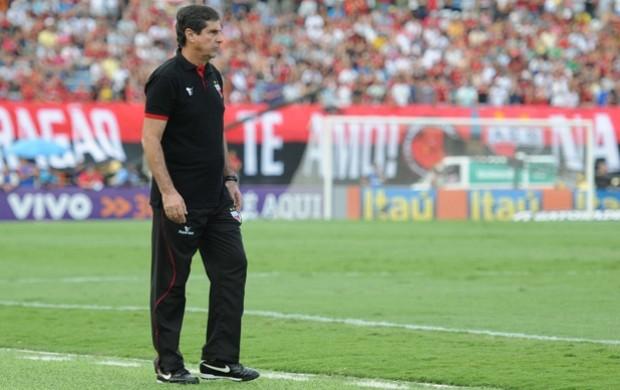 Artur Neto, técnico do Atlético-GO (Foto: Joelton Godoy/Atlético-GO)