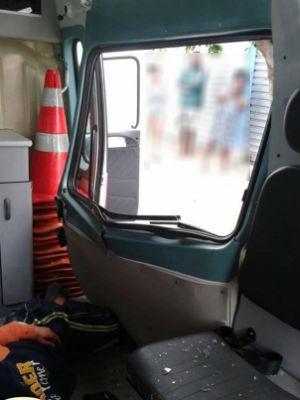 Homem ficou ferido e foi socorrido ao pronto-socorro (Foto: Divulgação/Polícia Militar)