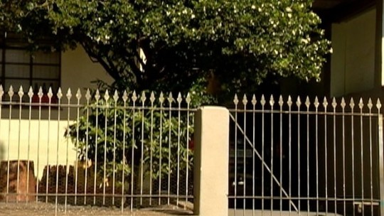 Polícia continua buscas por ladrões que assaltaram casa em Prudente
