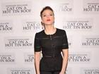 Elegante, Scarlett Johansson vai a estreia: 'É minha grande noite'