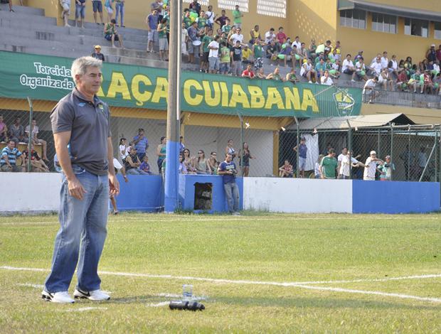 Para Ary Marques, vitória dará tranquilidade para sequência do clube na Série C (Foto: Leonardo Heitor/Globoesporte.com/mt)