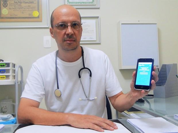 O cirurgião, otorrino e clínico geral Guido Bighetti entrou para o time de profissionais do Hippo Drs há cinco meses (Foto: Gabriela Castilho/G1)