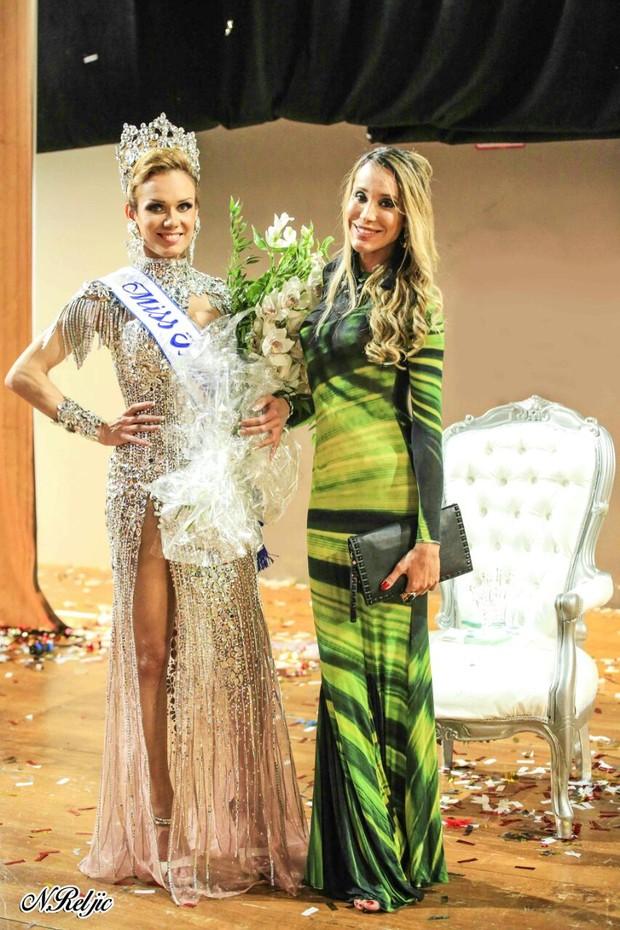 Carol Marra com a Miss Transex mais bonita do mundo, Kalena Rios (Foto: Divulgação)