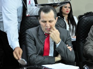O ex-governador Silval Barbosa (PMDB) foi escoltado à CPI da Renúncia e da Sonegação Fiscal na ALMT, mas manteve-se calado. (Foto: Renê Dióz / G1)
