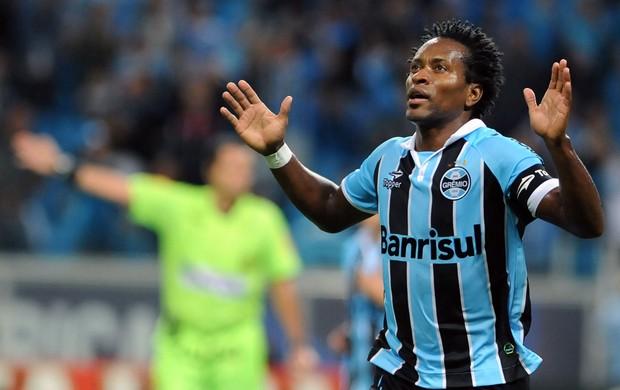Zé Roberto gol Grêmio (Foto: Edu Andrade / Agência Estado)