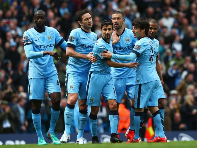 Jogadores do Manchester City comemoram gol sobre o West Ham (Foto: Getty Images)