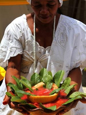 Caldo de goiaba para Oxum é uma das iguarias exibidas (Foto: Luiz Santos/Divulgação)