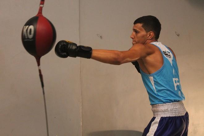 Lucas Monteiro, talento do boxe de Petrolina (Foto: Magda Lomeu)