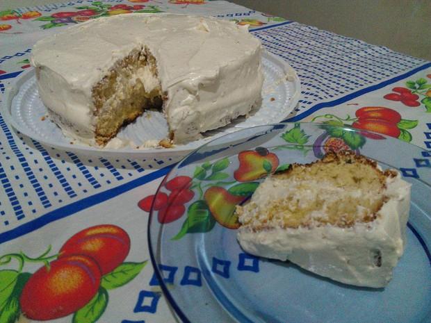 O bolo de leite em pó com coco babaçu é um dos doces do Festival Gastrônomico de Taquaruçu (Foto: Bernardo Gravito/G1 TO)
