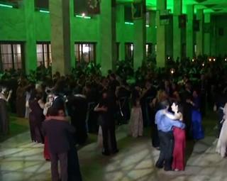 Uma festa empolgante que faz todo mundo dançar e se divertir (Foto: Reprodução Rio Sul Revista)