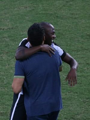Jair, Sassá, Botafogo (Foto: Vitor Silva/SSPress/Botafogo)