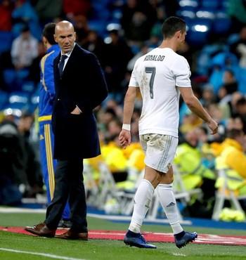 Cristiano Ronaldo mancando Real Madrid x Villarreal (Foto: EFE)