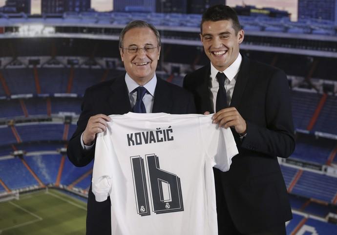 Florentino Pérez e Kovacic apresentação Real Madrid (Foto:  EFE/Juan Carlos Hidalgo)