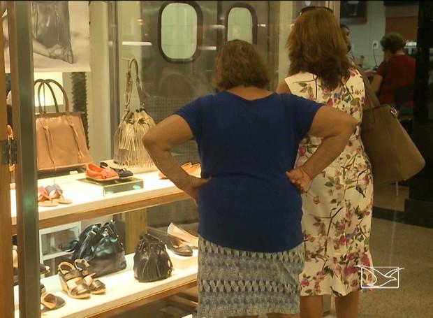 Pesquisa mostra que idosos estão se tornando consumidores exigentes (Foto: Reprodução / TV Mirante)