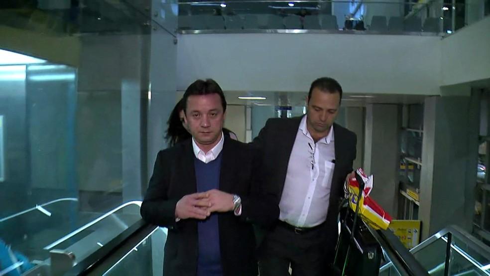 Wesley Batista desembarca no Brasil (Foto: Reprodução/TV Globo)