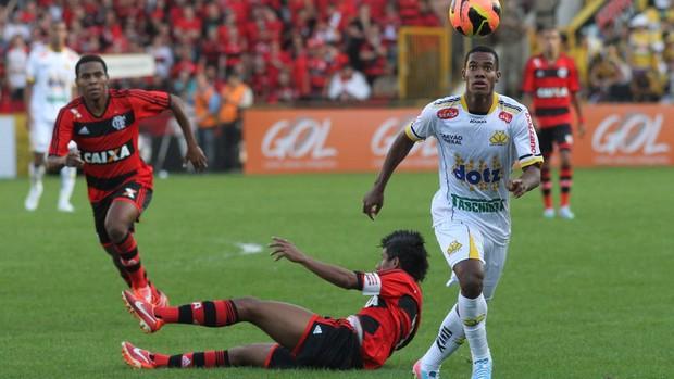 Lins Leo Moura Elias Criciúma Flamengo (Foto: Fernando Ribeiro / Criciúma EC)