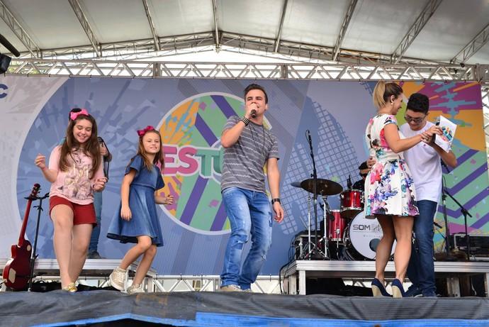 O som do Kanoa fez todo mundo dançar (Foto: Priscilla Fiedler/RPC)