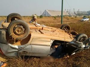 Veículo foi localizado neste sábado (19) a 20 km de Sinop (Foto: Henrique Cotrim/TVCA)