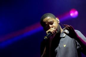 O rapper paulistano Emicida se apresenta no palco Village (Foto: Flavio Moraes/ G1)
