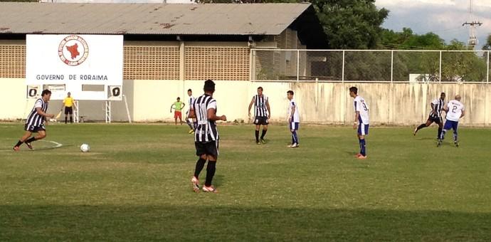 Rio Negro-RR passa a maior parte do jogo no campo de ataque (Foto: Nailson Wapichana/GloboEsporte.com)
