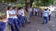 Agentes de saúde fazem mutirão de limpeza contra focos do Aedes em Corumbá, MS