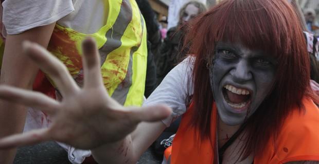 'Zumbis' invadem as ruas da Polônia em homenagem a Michael Jackson Zumbispolonia6