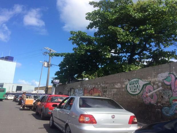 Tempo médio de espera para embarque de veículos é de 1h30  (Foto: Juliana Almirante / G1)