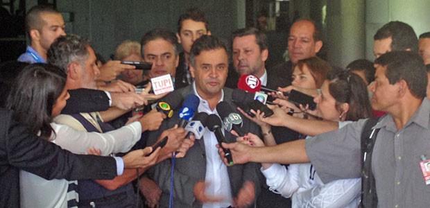 O presidente do PSDB, senador Aécio Neves, durante entevista no Senado (Foto: Fernanda Calgaro/G1)