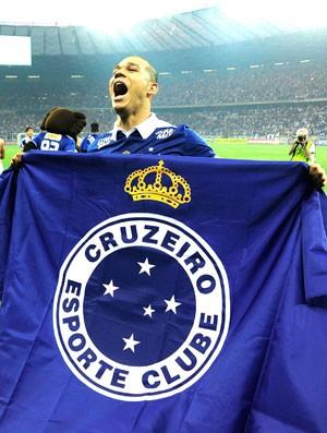 Permanência de Nilton no Cruzeiro é festejada por companheiros de time