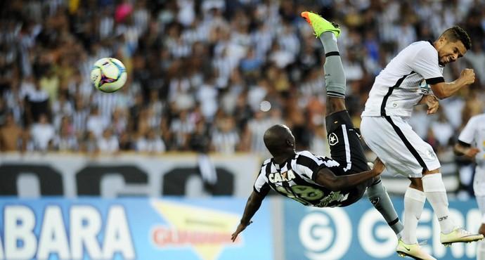 Sassá Botafogo Resende (Foto: Dhavid Normando / Futura Press)