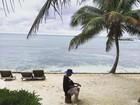 Justin Bieber compõe música na praia: 'Depois de ter o coração partido'