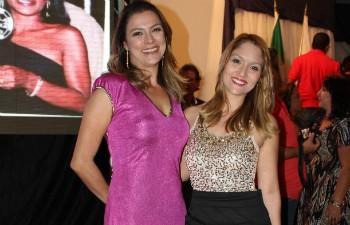 Maria Ribeiro foi a mestre de cerimônio e Nicole Melhado a porta-voz da Inter TV (Foto: Valdivan Veloso / Inter TV MG)