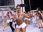 Gracyanne Barbosa usa short minúsculo em ensaio de carnaval