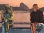RJTV registra reações e 'conversas' com estátua de Drummond; assista