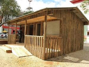 Estrutura é montada em praça de Lages (Foto: Festa do Pinhão/Divulgação)
