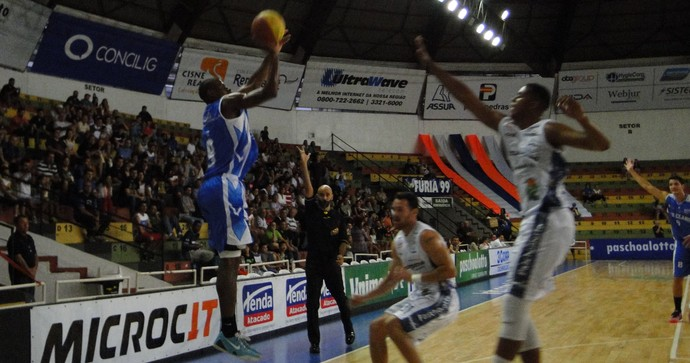 Bauru x Rio Claro - Campeonato Paulista de Basquete 2015 (Foto: Ricardo Prado/AI Rio Claro)