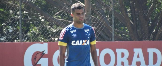 Alisson tem treinado normalmente e deve reaparecer na relação para jogo contra o Botafogo (Foto: Maurício Paulucci)