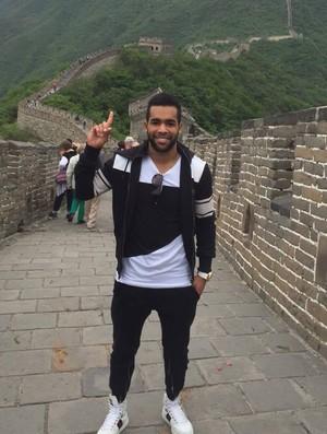 BLOG: Um dia após ser expulso em jogo, Alex Teixeira visita Muralha da China