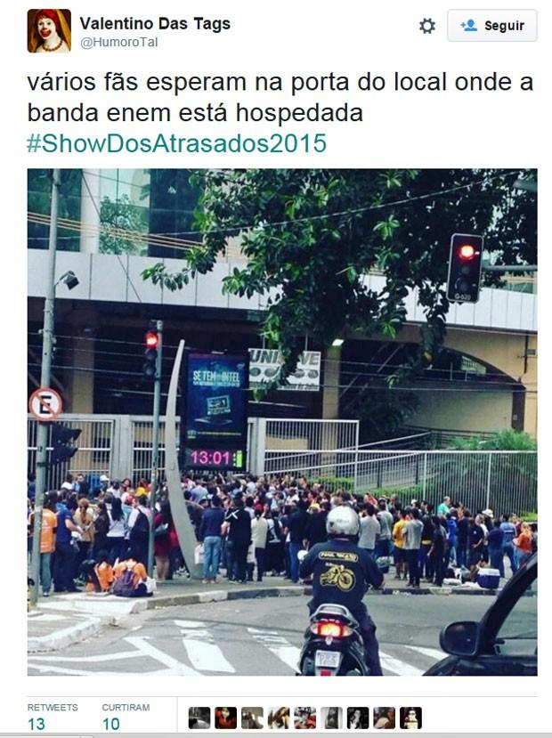 Atrasados do Enem viraram hashtag no Twitter: #ShowdosAtrasados2015 (Foto: Reprodução/Twitter)