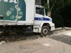 Caminhão de coleta seletiva perde os freios e arrasta carros em Jundiaí