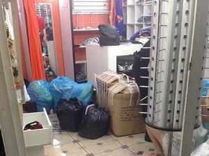 Produtos apreendidos operação Réplica PC JF 5 para carrossel (Foto: Bianca Martins/ G1)