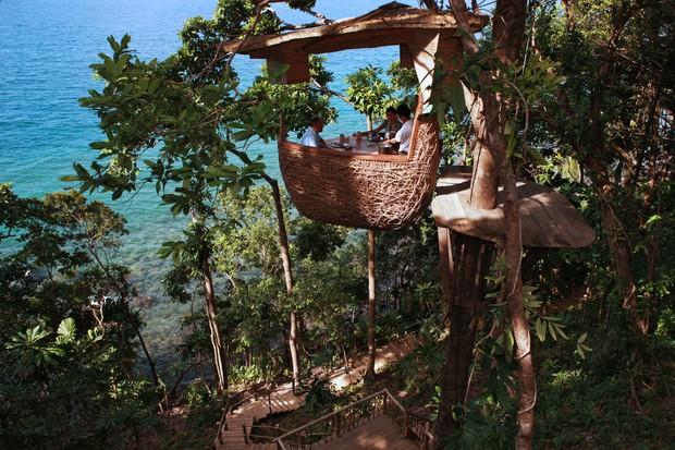 Mesa na árvore - Soneva Kiri (Foto: Divulgação)