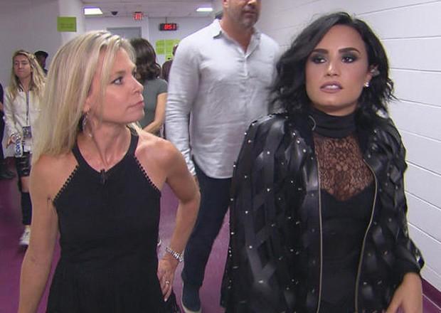 Tracy Smith e Demi Lovato (Foto: Reprodução/CBS)