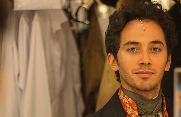 Em cartaz com a peça 'Les misérables' em São Paulo, o ator voltou à TV recentemente numa pequena participação na terceira temporada de 'Questão de família', do GNT (Foto: Rodrigo Negrini/Reprodução Instagram)