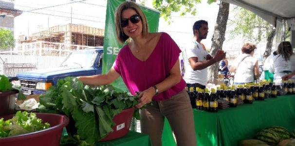 A repórter Estela Nascimento foi prestigiar a feira orgânica  (Foto: Divulgação/ Marketing TV Gazeta)