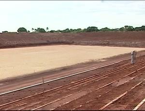 Um novo estádio é construído e a esperança do torcedor é que o Boa volta para jogar nele (Foto: Reprodução/TV Integração)