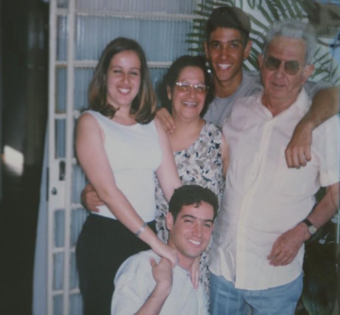 Geralda tem três filhos  (Foto: Arquivo Pessoal)