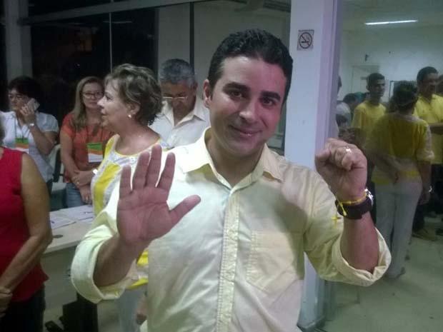 Francisco José Júnior assume definitivamente a prefeitura após cinco meses como prefeito interino (Foto: Felipe Gibson/G1)