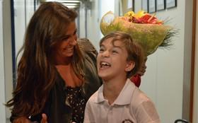 Giovanna Antonelli ganha surpresa de Dia das Mães de Vitor Figueiredo; assista!